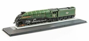 Corgi Rail Legends 1:120 ST97507 BR 4-6-2 A4 Class Union of South Africa 60009