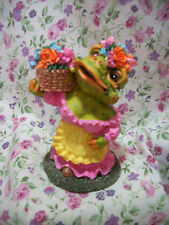 New Frog Figure Female With Flowers