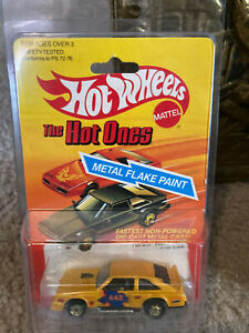 """HOT WHEELS """"The Hot Ones"""" -  78""""OLDSMOBILE FLAT OUT 442 , year in package: 1982"""