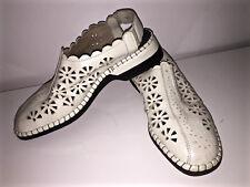 adorables sandales en cuir blanc RIEKER pointure 41  excellent état