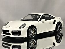Minichamps Porsche 911 (991 II) MKII Turbo S 2016 White Model Car 1:18