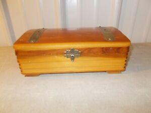 VINTAGE WOOD TRINKET JEWELRY BOX WITH MIRROR