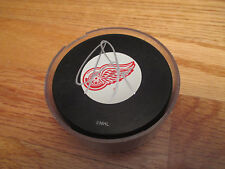 ADAM GRAVES #9 signed DETROIT RED WINGS Puck COA