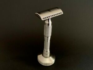 Smart Helix Apollo Light Stainless Steel Safety Razor w/ Stand-Aggressive Plate