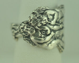 Beautiful 925 Sterling Silver Cherub Angel Bell Tail Tucked Spoon Ring