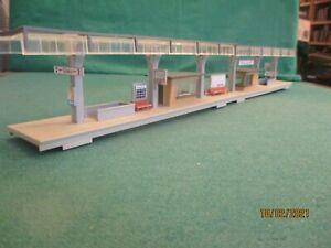 Faller HO Buildings  'Railway Island Platform 51 cms Long'