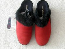 CURVETURES Portania Deerskin Fur Ladies' Red Clog Shoes Size 8M NIB