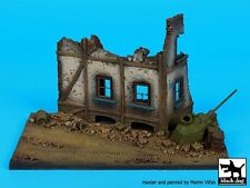 Black Dog 1/72 Street Section w/House Ruin Diorama Base #2 (150mm x 90mm) D72023
