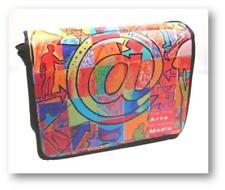 "15,4"" Messenger Bag mit Notebookfach in modernem Design"