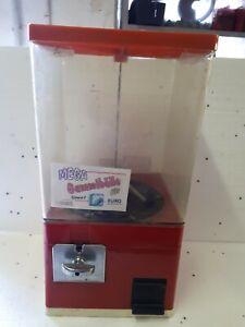 Kaugummiautomat und Kapselautomat aus der Aufstellung