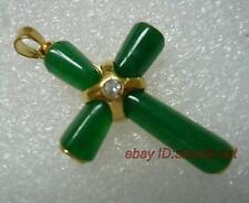forme de traverser, jade vert,pendentif +chaîne