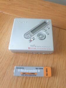 VINTAGE SONY MZ-N710 Silver Net MiniDisc Walkman W/ ORIGINAL SONY BATTERY