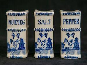 Blue Willow Pattern Hostess Set Japan Salad Set with Salt /& Pepper Shakers