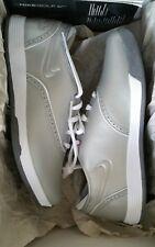 Nike da donna Lunar Duet Classico Argento Mazza Da Golf UK 4 EUR 37.5 Nuovo di Zecca FREEPOST