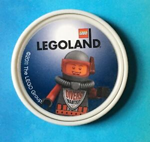 * Rare * DIVERS WANTED 2011 MERLIN LEGOLAND WINDSOR LEGO ATLANTIS POP BADGE MINT