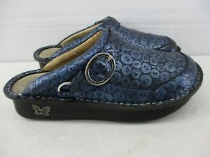 ALEGRIA SEV-213 WOMEN'S  SIZE 37 / 7.5  MULES CLOGS SHOES   BLUE TOOLED LEATHER