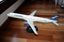 MAQUETA AVIÓN AIRBUS A321 FINNAIR 1/100 Fratelli Cesana