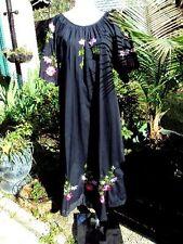 Womens Caro of Honolulu,Hawaii Black  Embroidered Moo Moo Dress Size S  NWT