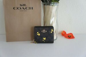 NWT Coach C4592 Limited Edition Peanuts Snap Wallet Signature w Woodstock Print
