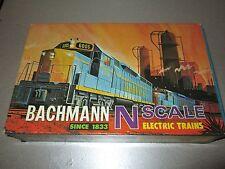 Vintage Bachmann N Scale Set GP-40 Diesel 5 Car Set Rare