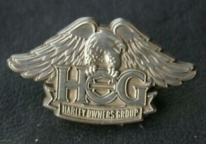 MOTORCYCLE Pin Badge HARLEY DAVIDSON HOG Harley Owners Group Silver