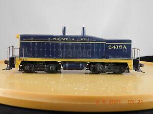 Athearn HO Scale SW-7 Calf Dummy Locomotive Santa Fe