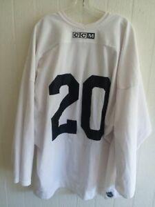 PHOENIX COYOTES Eric Belanger worn white #20 CCM practice jersey 2010 preseason