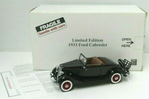 The Danbury Mint Limited Edition 1933 Ford Cabriolet 1:24 w Title Cert - A711