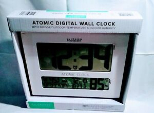 La Crosse Technology Atomic Digital Wall Clock BBB86096 Inside/Outside Temp New