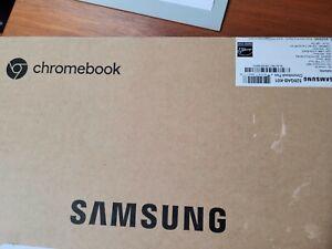 Samsung Chromebook Plus V2 (Intel Celeron, 32GB eMMC) - Light Titan XE520QAB-K01