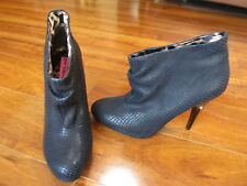 NEW Betsey Johnson Gllaam Ankle Boots Heels Womens Sz 7.5 Black Leather $149.