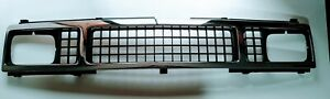Isuzu Pickup Truck Faster  Kb21 26 Luv front grill chrome