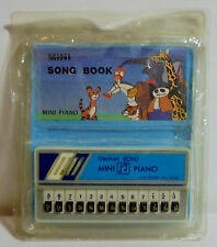 ECHO VTG 80's MINI PIANO w/ SONG BOOK VINYL CASE TAIWAN MADE NEEDS NEW BATTERIES