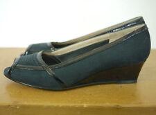 Vintage Ferragamo Italy Navy Blue Black Leather Nubuck Peep Toe Wedges 4.5M 34.5