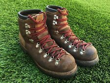 Vintage Milo Mountaineering Hiking Climbing Mens Boots Size 10M