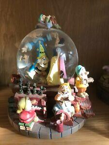 "Snow White Snow Globe - Music ""I Whistle A Happy Tune"" Rare/Collectable"