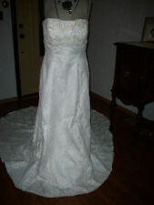 Plus Bride Sz 16 creme lace & beading mermaid cathedral
