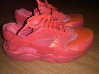Nike WMNS Air Huarache Run PRM 683818-800 Lightly Used Size 8.5