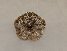 14k Yellow Gold Diamond Center Flower Pendant Brooch. 4.5 gram