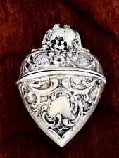 ~ ROMANTIC CONTINENTAL SILVER HEART SHAPED PILL / SNUFF BOX KISSING LOVE BIRDS