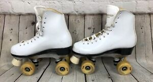 Preowned White Dominion Canada Roller Skates Womens Size 7