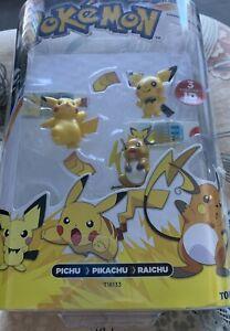 TOMY Pokemon Evolution 3-Pack Pichu Pikachu Raichu Figure & 3 Pokedex ID Tag NEW