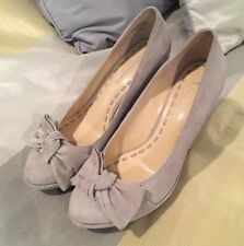 Enzo Angiolini Grey Suede Bow Wedges