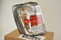 2000-2005  Saturn LS LH Tail Lamp mount BRACKET /& SOCKET new OEM 15840428