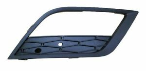 Seat Leon 5Dr Hatch 2013 on RH Ft Bumper Grille Outer With Lamp Hole
