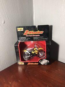 2 Wheelers 1:18 Die Cast Black/Yellow Motorbike Motorcycle Part #31300 - A1