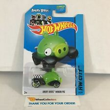 Minion Pig #81 * Angry Bird * 2014 Hot Wheels * C8