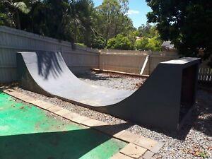 Half Pipe Skate Ramp 5.6m - Double floor skin.