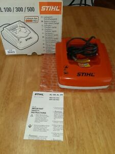 STIHL AL300/500 BATTERY CHARGER ( NEW)
