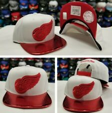 Exclusive Mitchell Ness White / Metallic Red  Detroit Red Wings snapback Hat CAP